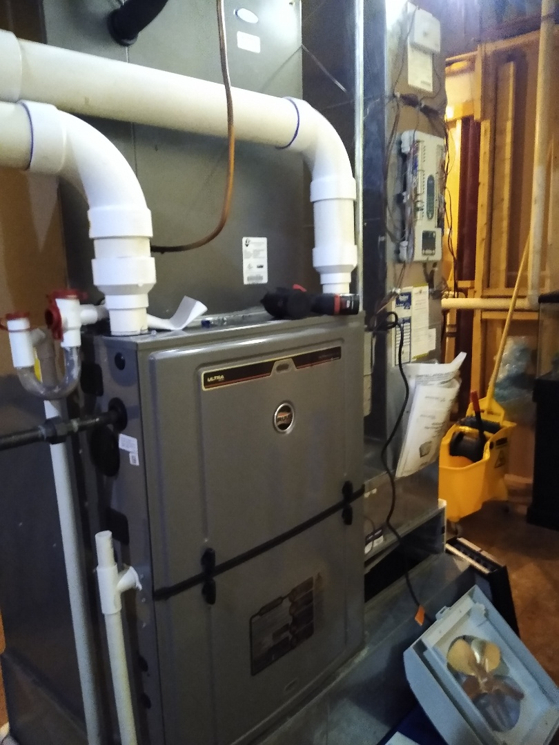 Arlington Heights, IL - Furnace tune up on 96% efficiency Ruud unit with aprilaire filter and humidifier.