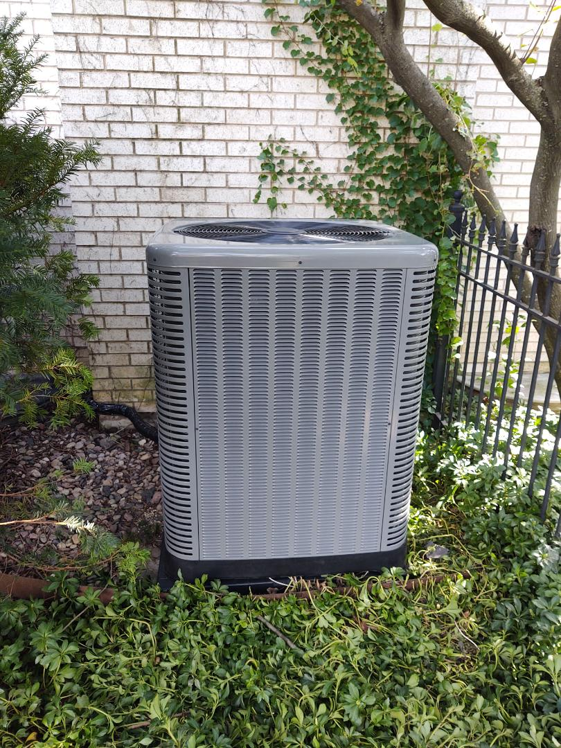Arlington Heights, IL - AC installation We installed a Rheem / Ruud ra16 16 seer air conditioner with a ADP indoor evaporator coil