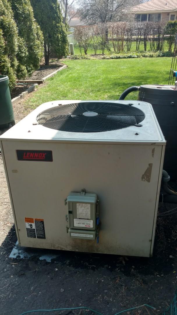 Mount Prospect, IL - Air conditioner  maintenance call. Performed air conditioner maintenance on Lennox unit.