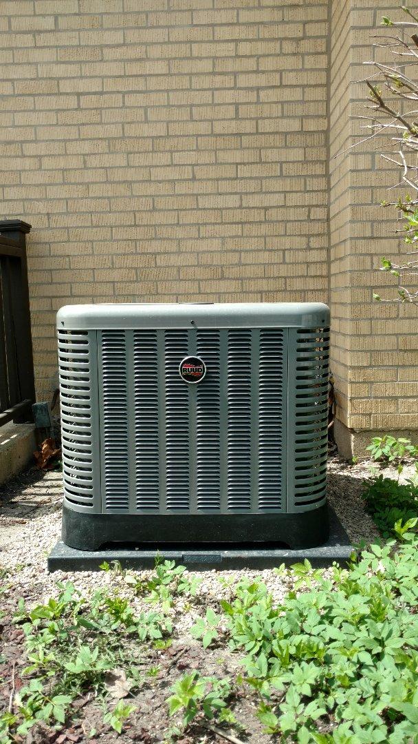 Mount Prospect, IL - Air conditioner maintenance call. Performed air conditioner maintenance call on Ruud unit.