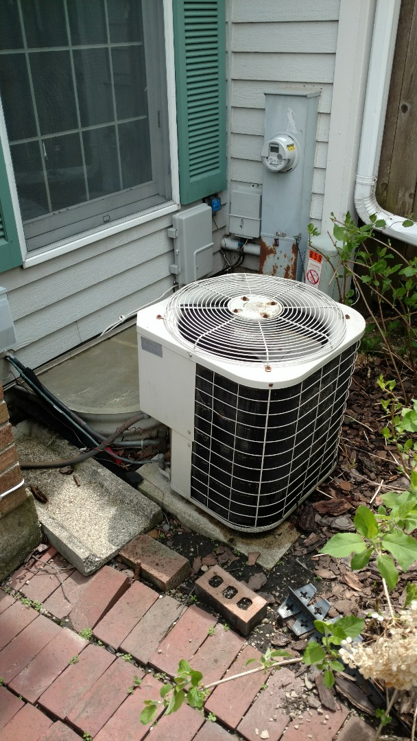 Lincolnshire, IL - Quote to replace Lennox furnace and air conditioner.
