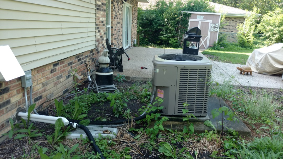 Arlington Heights, IL - Air conditioner maintenance call. Performed air conditioning maintenance on York unit