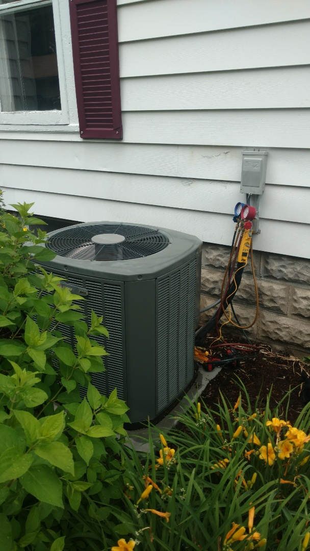 Barrington, IL - Air conditioner service call. Performed air conditioning repair on Trane unit.