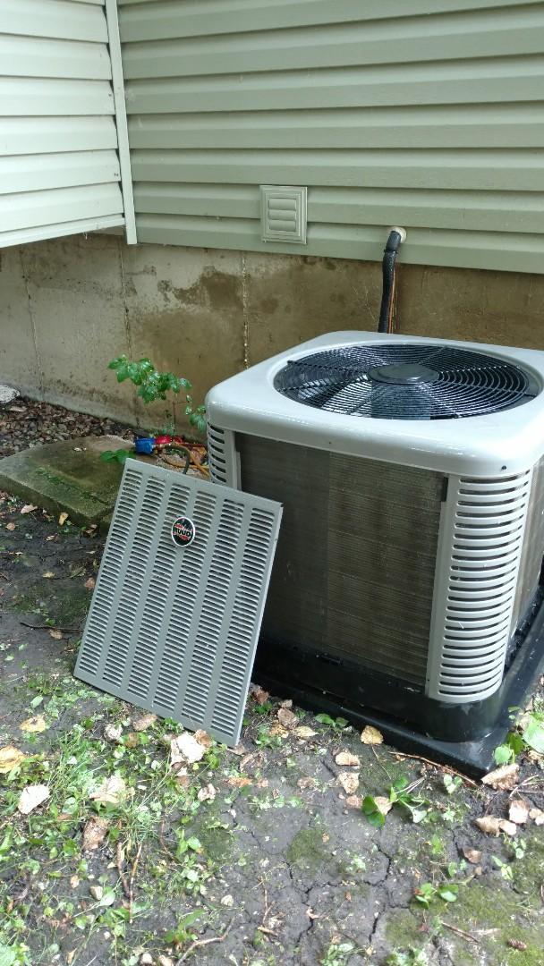 Mount Prospect, IL - Air conditioner maintenance call. Performed air conditioning maintenance on Ruud unit