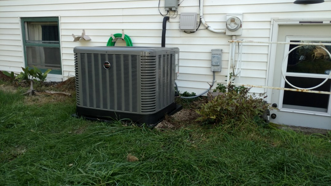 Des Plaines, IL - Air conditioner installation call. Performed air conditioner installation on Ruud unit