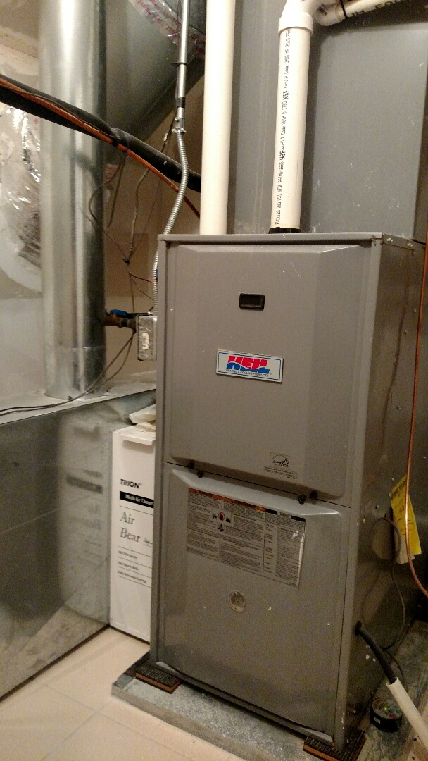 Medinah, IL - Furnace maintenance call. Performed furnace tune up on Heil furnace. Performed annual maintenance on Aprilaire humidifier in Medinah.