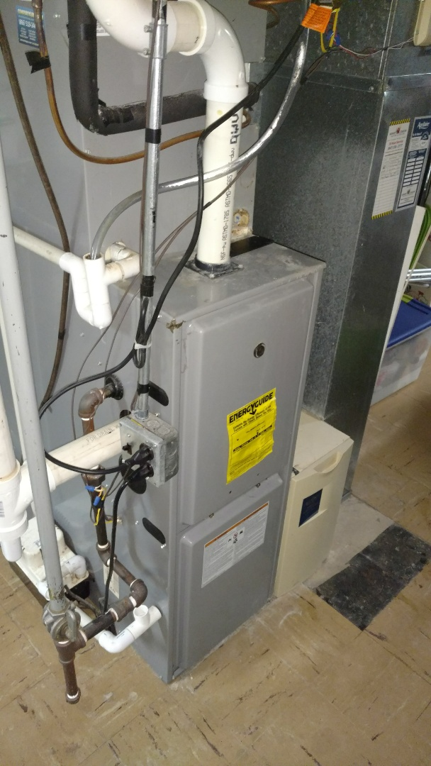 Mount Prospect, IL - Furnace maintenance call. Performed furnace maintenance on comfort maker unit.