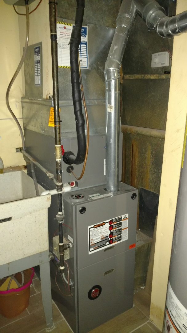 Des Plaines, IL - Furnace maintenance call. Performed furnace maintenance on Rheem unit.