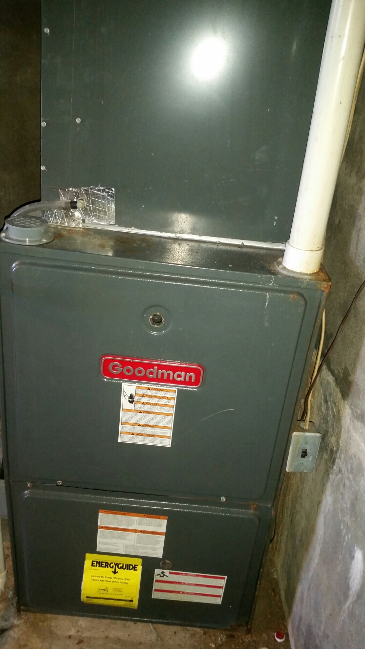 Wright City, MO - Doing a fall maintenance on a goodman furnace