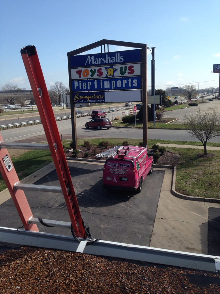 Columbia, MO - Smoke alarm replacement on Lennox rooftop unit at toys  r us Columbia