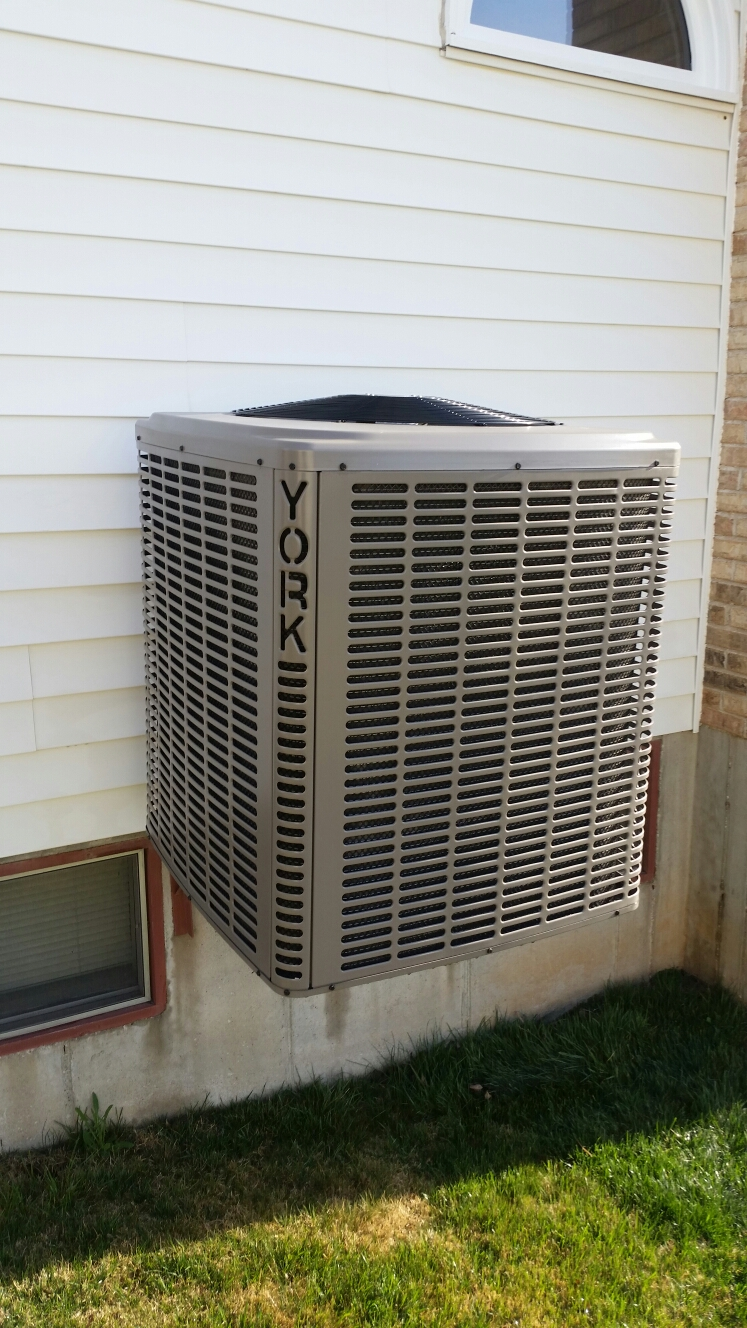 O'Fallon, MO - Doing a spring maintenance on a york air conditioner