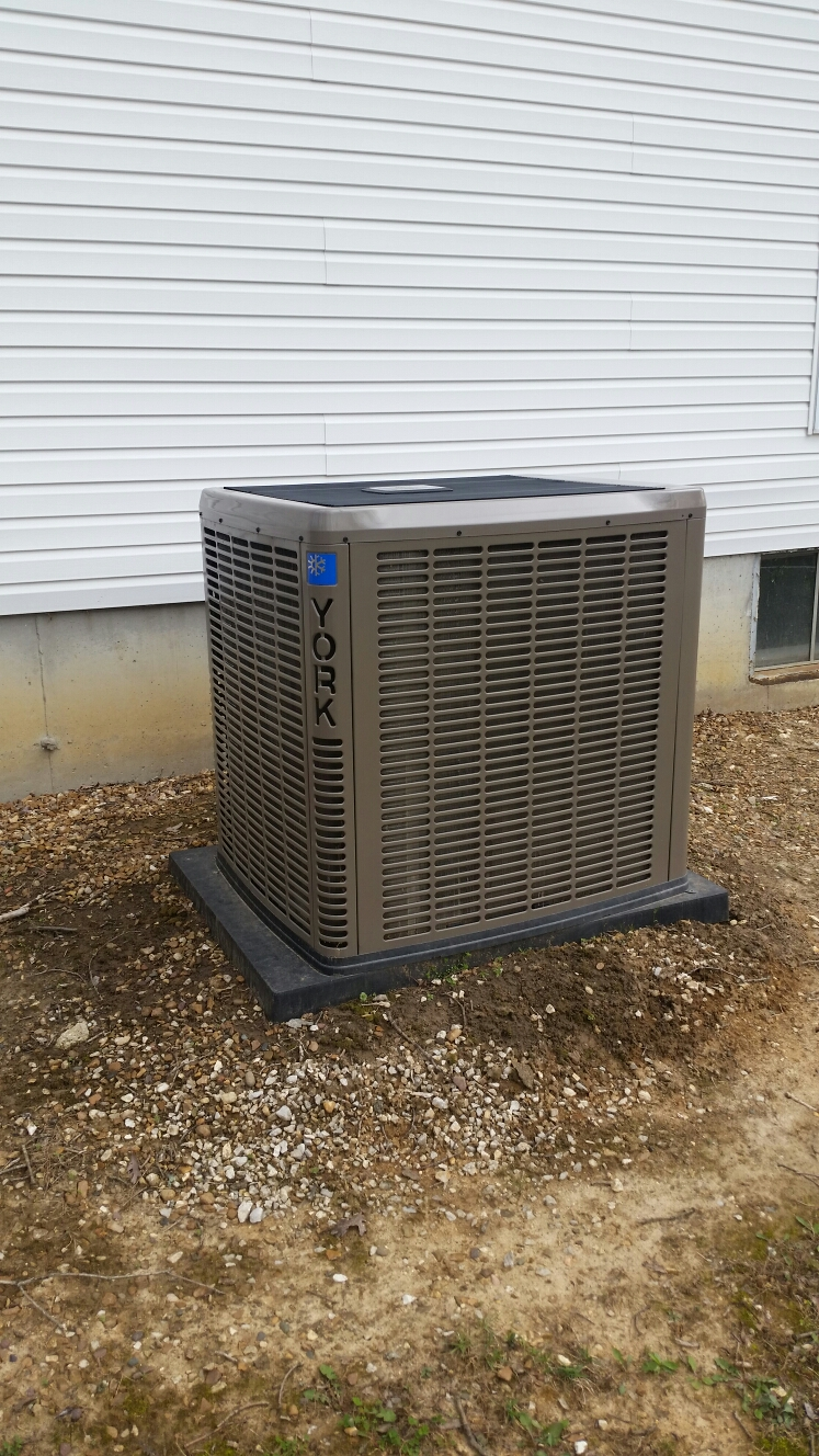 Foristell, MO - Doing a spring maintenance on a york air conditioner