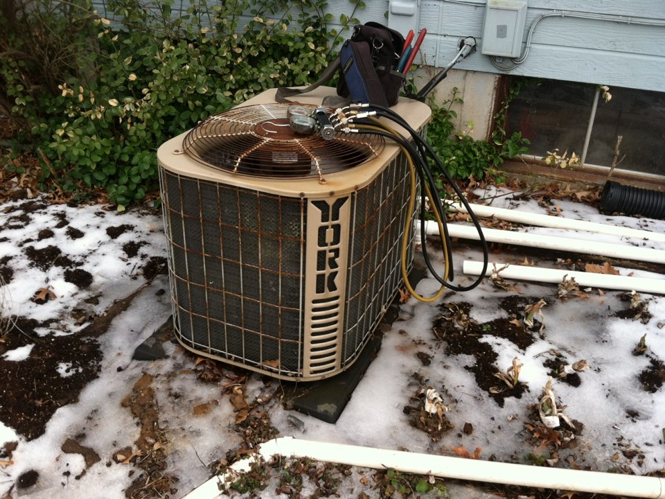 Wildwood, MO - Servicing york heat pump.