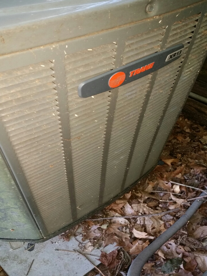 Wildwood, MO - Replacing a reversing valve on a train air conditioner