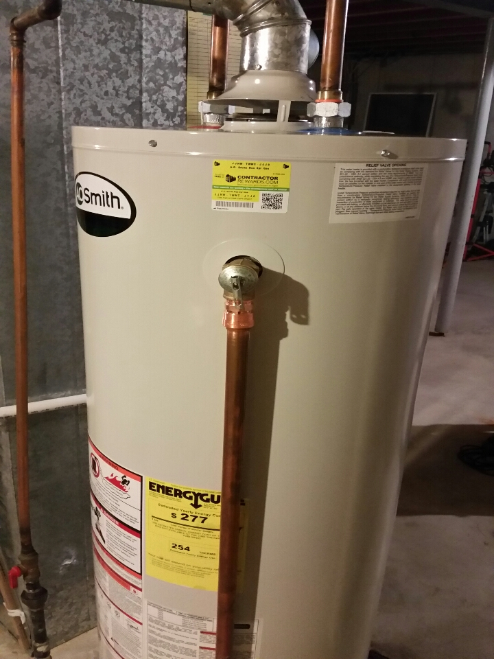 St. Peters, MO - working on a leaking water heater