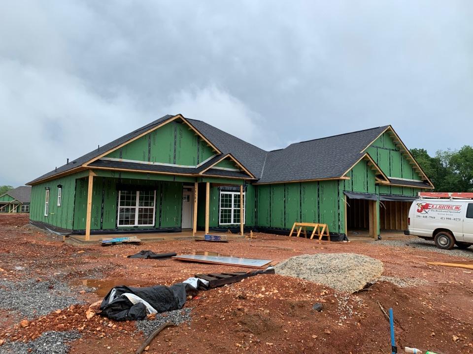 Huntsville, AL - New Construction Roofing Project in Huntsville, AL! CertainTeed Landmark Charcoal