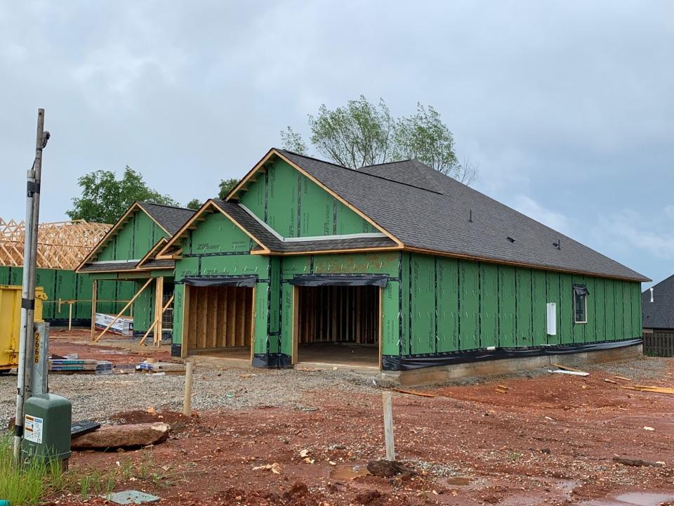 Huntsville, AL - New Construction Roofing Project in Huntsville, AL! CertainTeed Landmark WeatherWood