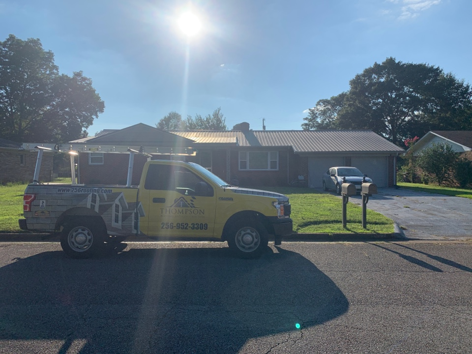 Decatur, AL - Gutter issues. Not a problem for Thompson Roofing and Construction! We have a dedicated Gutter department that specializes in proper sizing application and installation even coming to you in Decatur, Alabama. Give us  call to schedule your free inspection and estimate today.