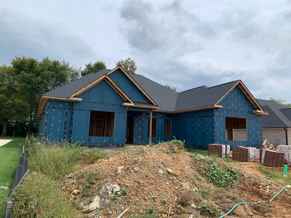 Athens, AL - New Construction Roofing Project in Athens, AL! CertainTeed Landmark Morie Black