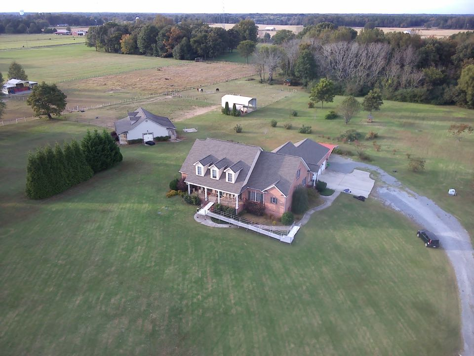 Hazel Green, AL - Thompson Roofing and Construction finished another amazing quality roofing replacement here in Harvest, Alabama. GAF HDZ products and a beautiful workmanship from the local knowledgeable experts that do the best and most referred and highest rated work in the area