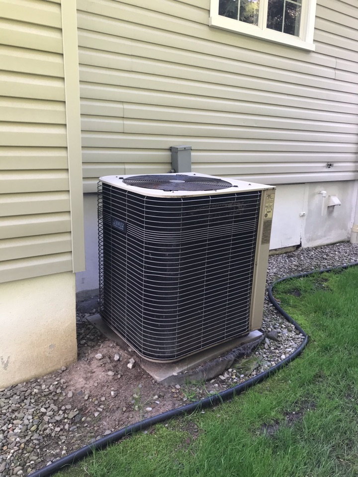 Cranford, NJ - Replacement of Lennox central air conditioning system in Cranford.