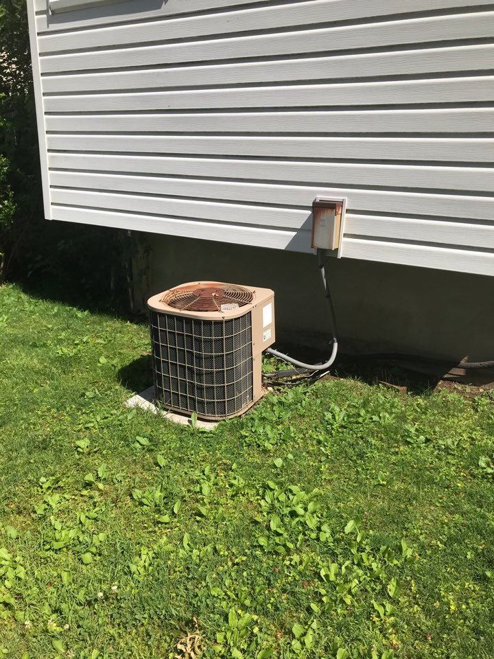 Union, NJ - Replacement of 30 year old Carrier central air conditioning system in Union.