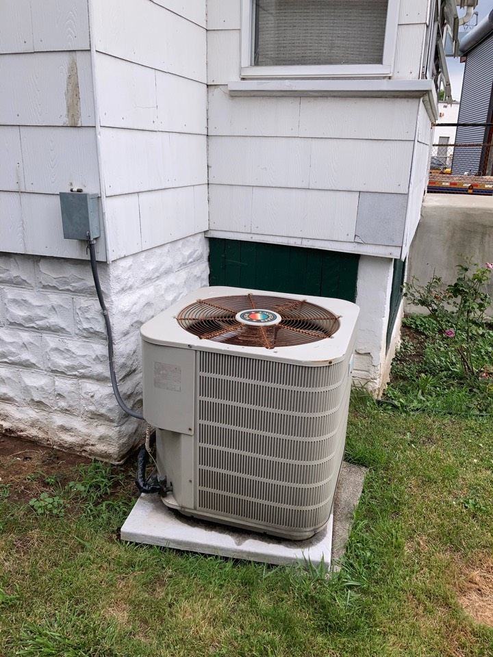 Replacement of Frigidaire central air conditioning system in Roselle.
