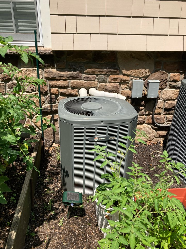 Millburn, NJ - Replacement of Trane gas furnace and air conditioning system in Short Hills.