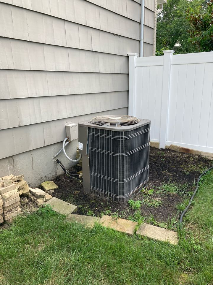 South Plainfield, NJ - Replacement of Heil gas furnace and air conditioning system in South Plainfield.