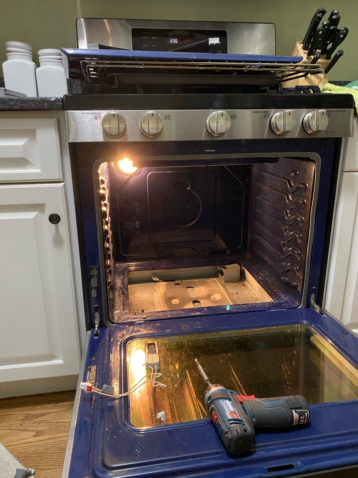 Glen Ellyn, IL - Replaced oven start igniter on whirlpool stove.