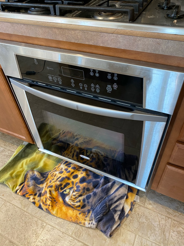 Replaced oven bake element on whirlpool oven.