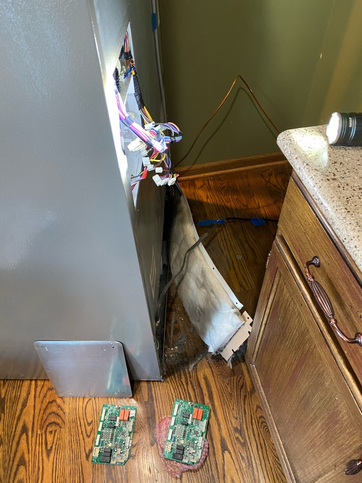 Bartlett, IL - Replaced main control board on KitchenAid refrigerator that was not cooling.