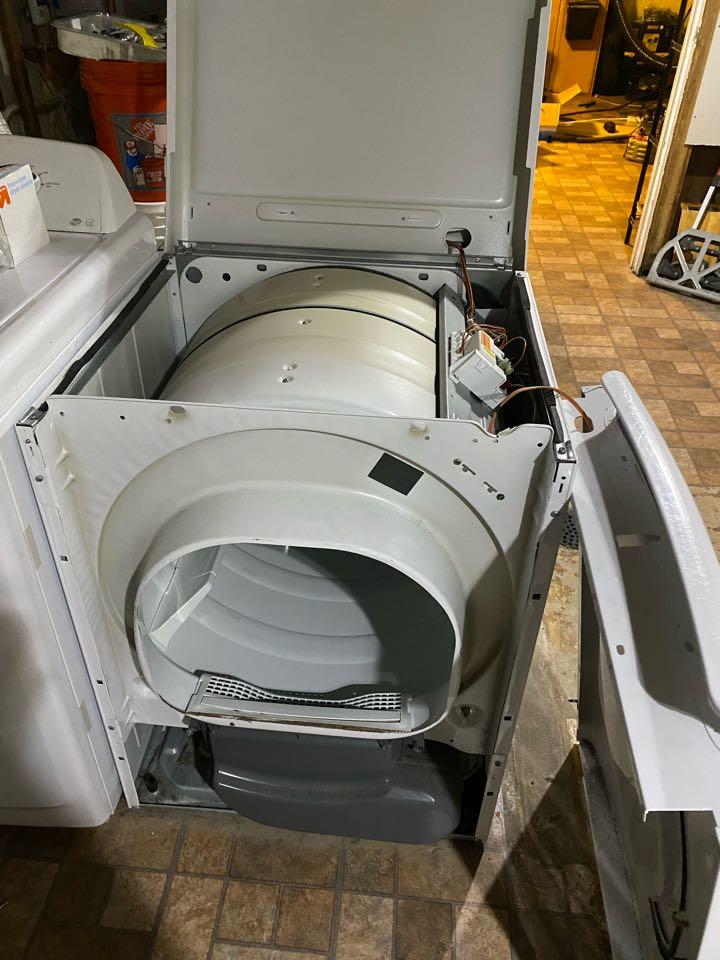 Streamwood, IL - Replaced start igniter on Frigidaire dryer that had no heat.