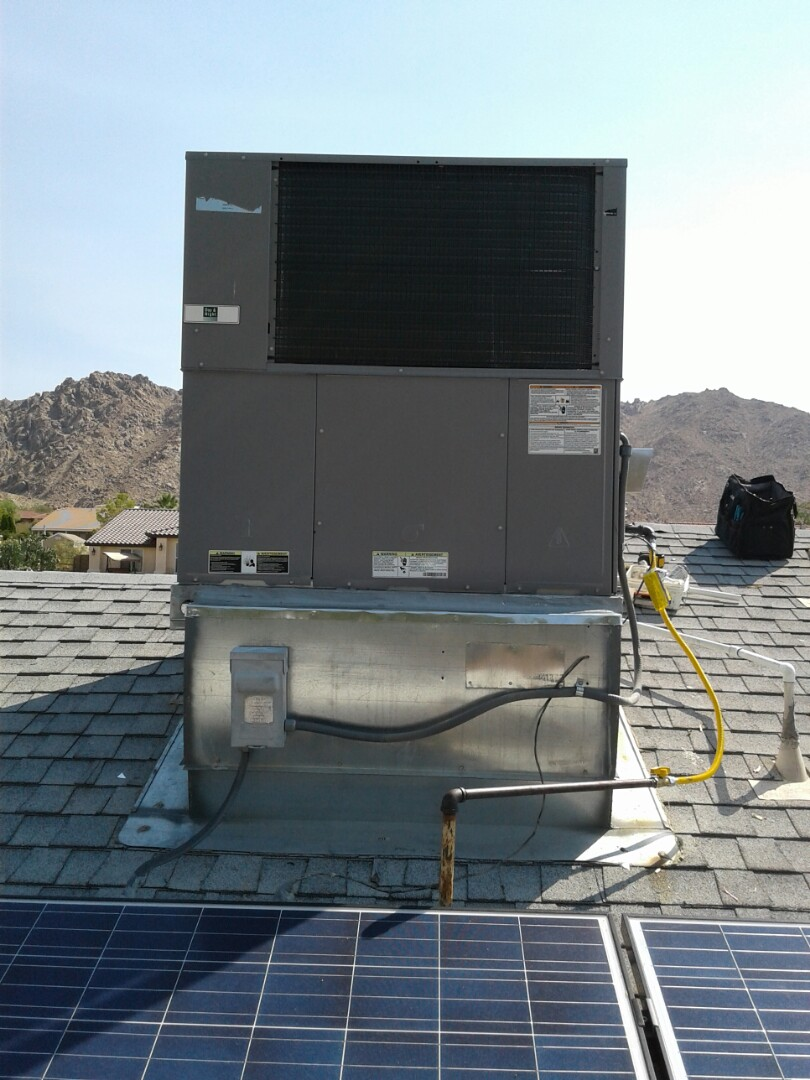 Apple Valley, CA - Installed new 5 ton 410A Day and Day and night package unit