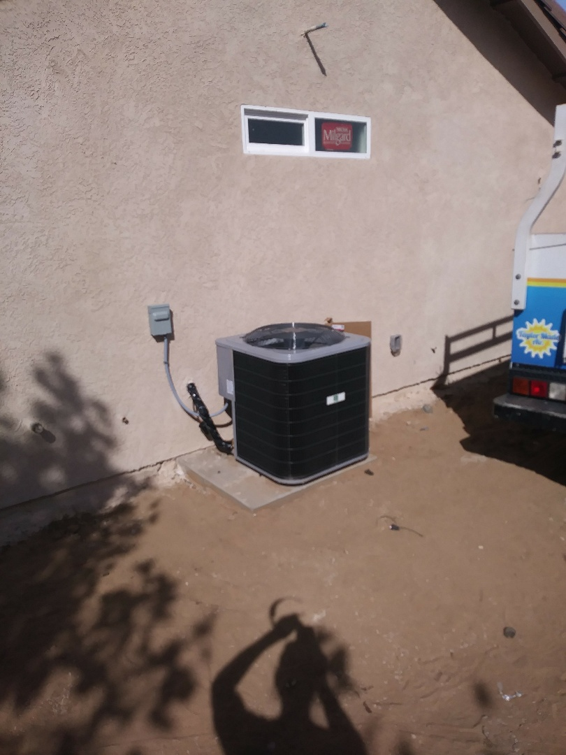 Hesperia, CA - 10/29/18. Hesperia. Residential Home. Finish  Installing day and night 14 seer condensing unit, bar type registers, assembling gas fireplace.