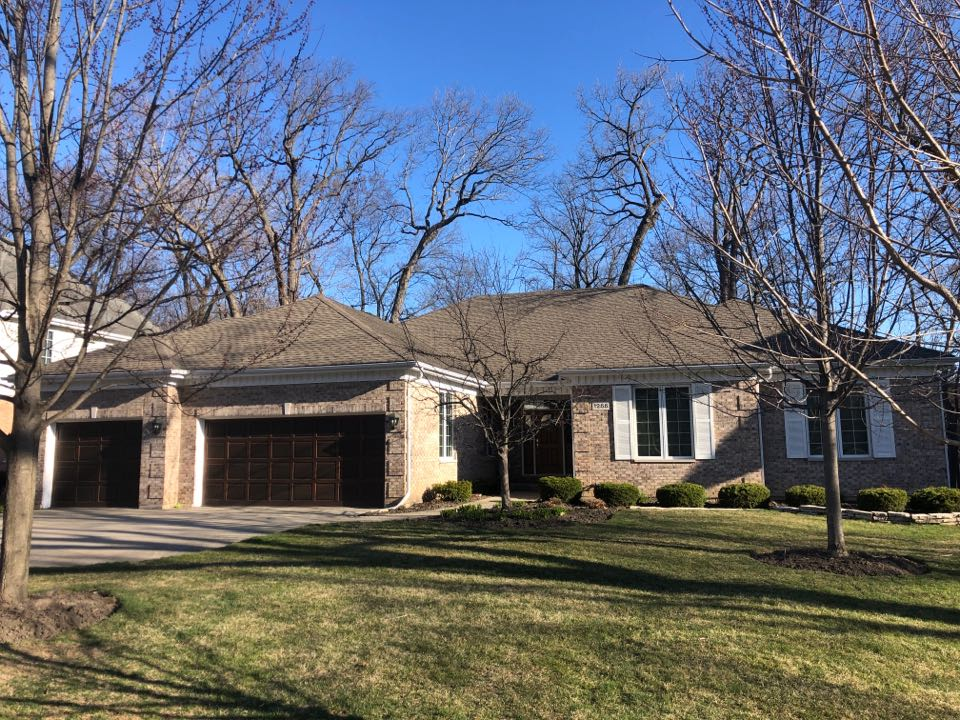 Northbrook, IL - Estimating a new GAF timberline roof and gutters for this beautiful ranch in East North Park