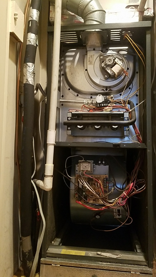 Rosemead, CA - Maintenance tune up to Amana  furnace.