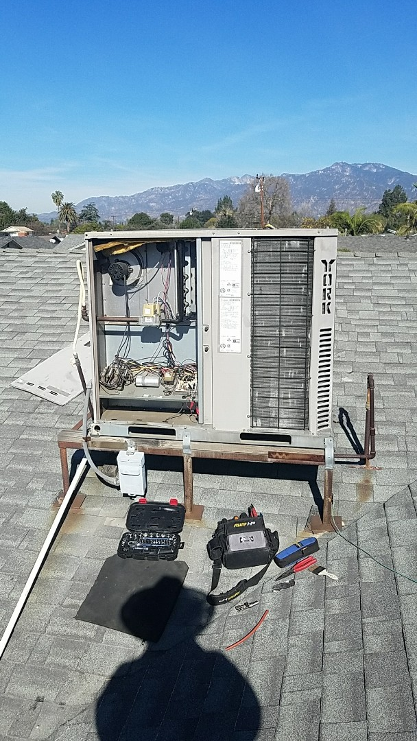 Temple City, CA - Cypress tune up to service to York package unit.