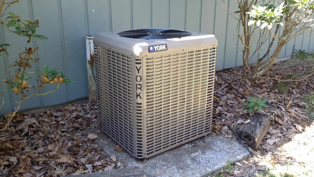 Installed York 2.5 Ton 14 Seer Heat pump System in Sevierville.