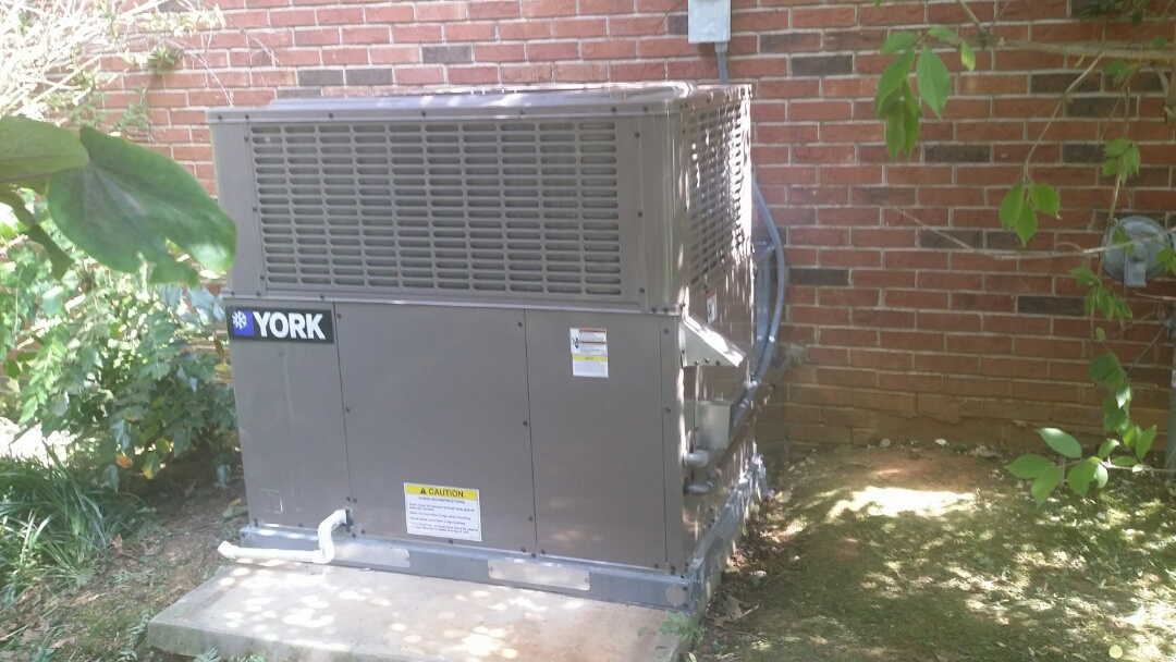 Maryville, TN - Installed York 3.5 Ton 14 Seer Gas Package unit in Maryville today. Another happy customer!