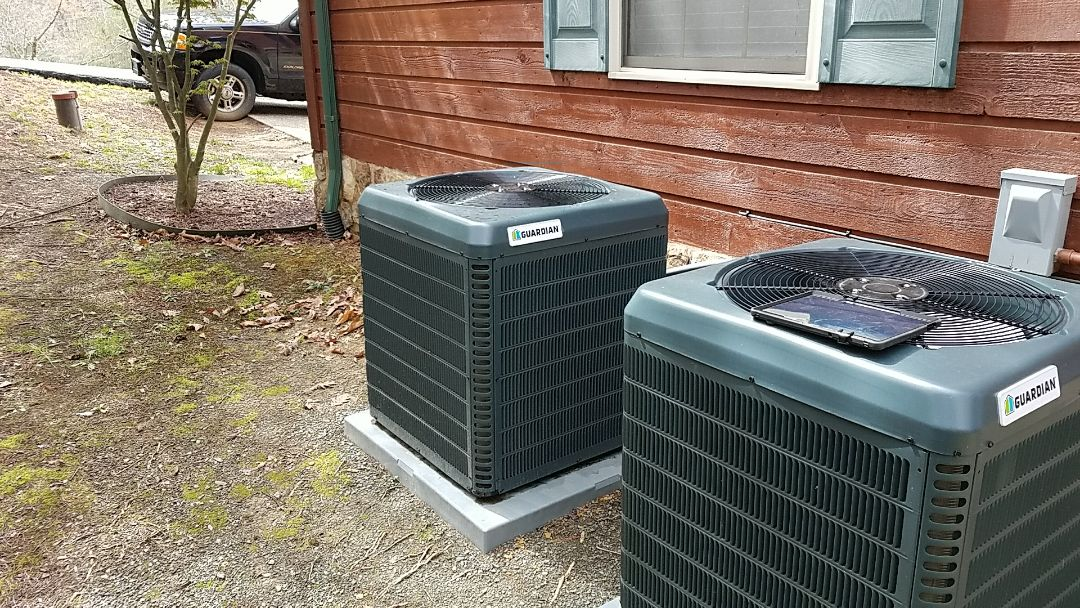 Sevierville, TN - Working on Guardian Heat Pump System in Sevierville. Found a short in low voltage.
