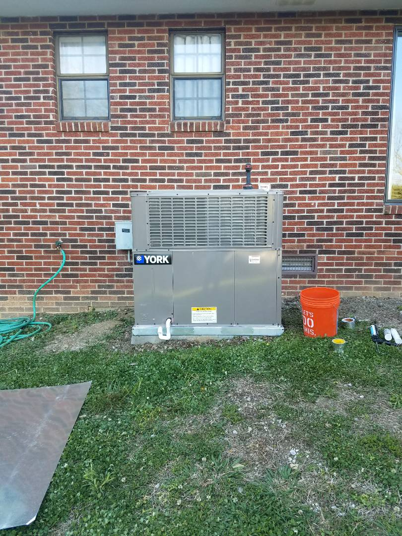 Sevierville, TN - Help installing York Heat Pump Package unit in Sevierville