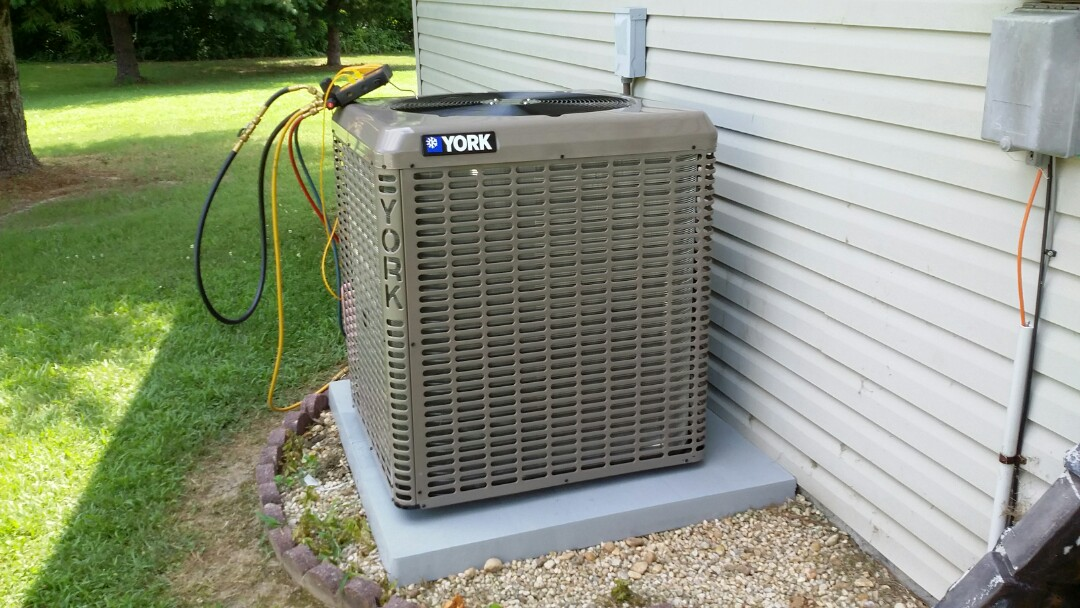 Seymour, TN - Installed new York 2.5 Ton Heat Pump System in Seymour. Air Handler was in attic today was very hot.