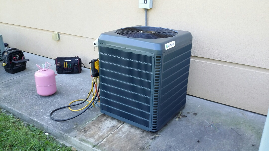Powell, TN - We just installed new Guardian 2 Ton Heat Pump System at the Comfort Inn in Powell.
