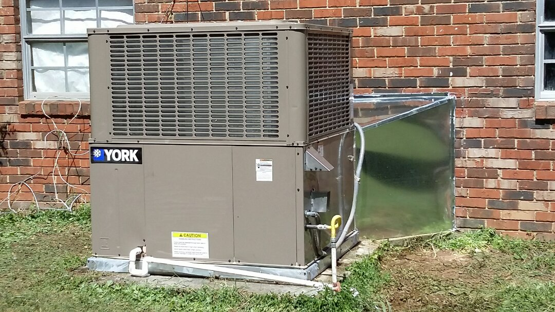 Knoxville, TN - Installed new York 5 Ton 16 Seer Package unit in West Knoxville.