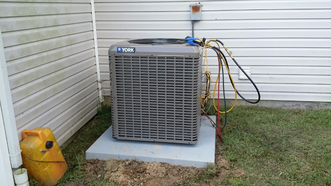 New Tazewell, TN - Installed new York 14 Seer Heat pump System in Tazewell.