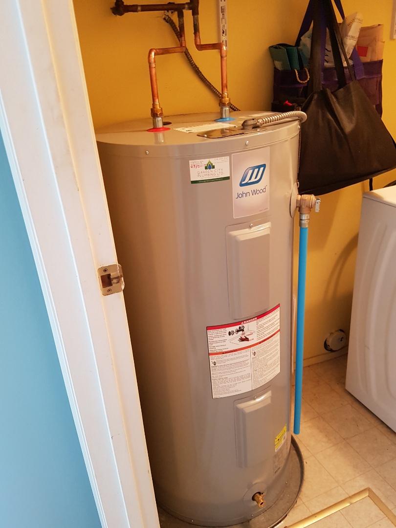 Victoria, BC - Replace a 40imp electric hot water tank interurban area