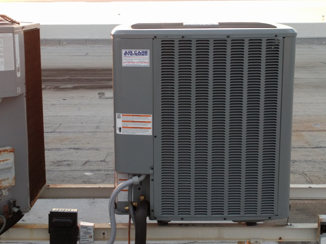 Cocoa Beach, FL - Finishing install of a new 5 ton Daikin straight cool system for a long time customer.