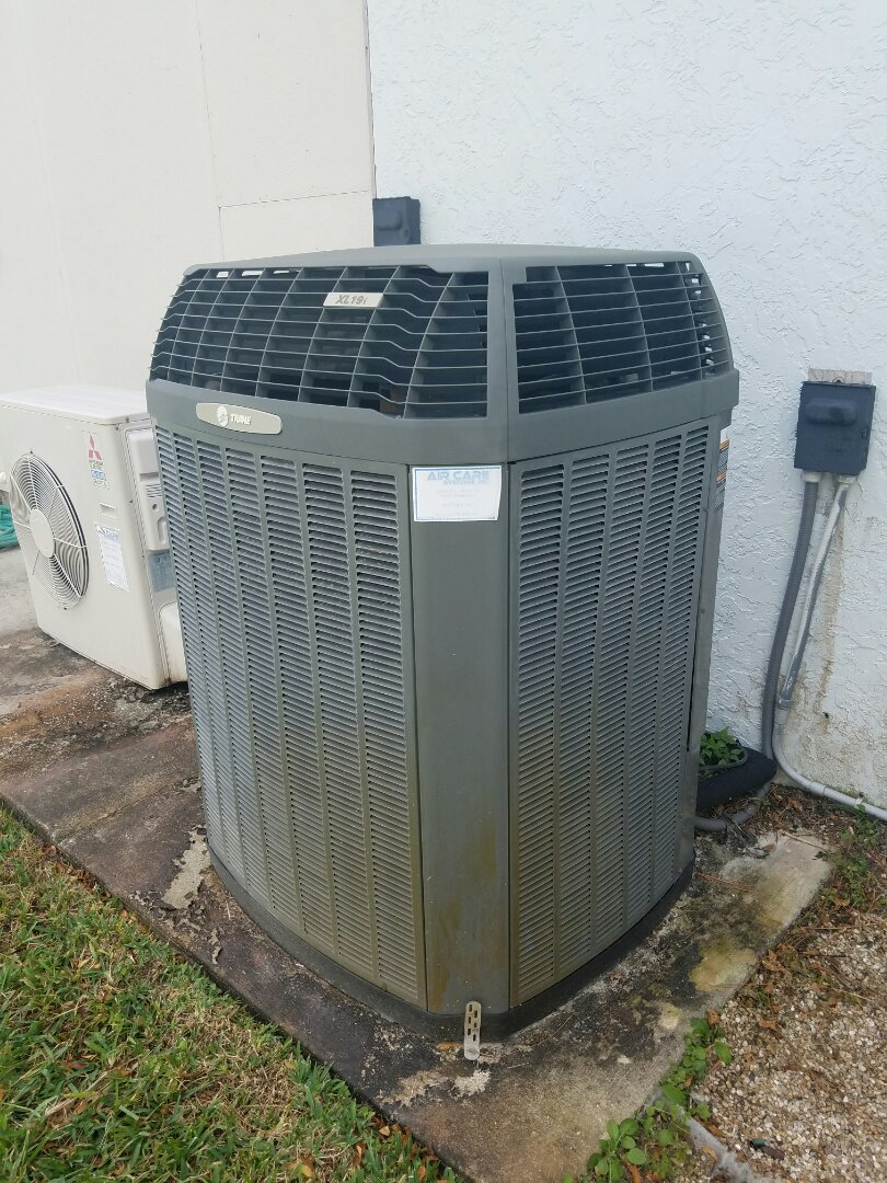 Palm Bay, FL - Repairing a Trane XL series 19i heat pump for a long time client