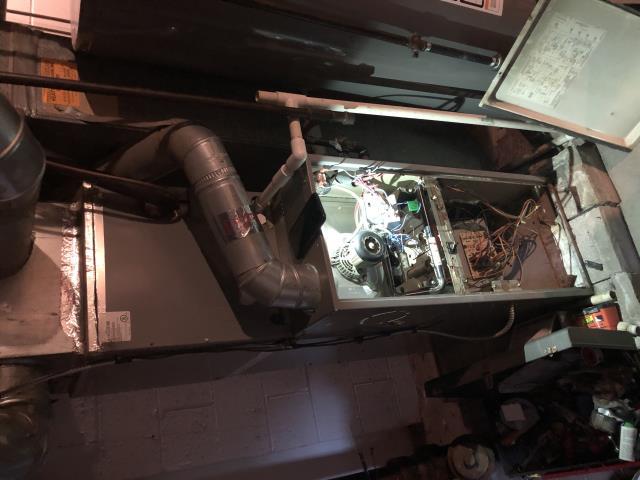 Bexley, OH - Working on gas furnace comfortmaker